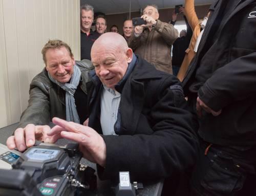 Eerste glasvezelaansluiting in het buitengebied van Hoogeveen nu echt een feit!